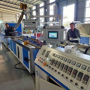 基础产品PVC墙板生产设备
